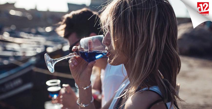 Blauwe wijn, helemaal hip en heerlijk zomers!
