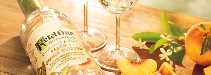Ketel One Botanical: heerlijk in de mix met bruisend water en een vers stukje fruit