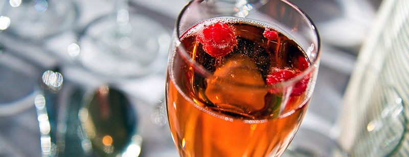 De Kir Royal is een fruitige champagne cocktail
